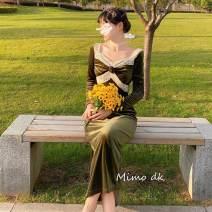 Dress Autumn 2020 Amber green S, M
