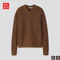 T-shirt / sweater UNIQLO / UNIQLO other 09 black 34 camel 37 maroon 55 Turquoise 160/76A/XS 165/84A/S 170/92A/M 175/100A/L 180/108B/XL 185/112C/XXL 185/120C/XXXL 185/128C/XXXXL Socket V-neck Long sleeves UQ421257000 2019 Viscose (viscose) 24% polyamide (nylon) 14% others 62% Winter of 2019