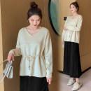 Fashion suit Autumn 2020 M,L,XL,XXL Black pants, green top, apricot top, green top + pants, apricot Top + pants, green top + skirt, apricot Top + skirt 25-35 years old 71% (inclusive) - 80% (inclusive) acrylic fibres