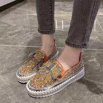 Low top shoes 35,36,37,38,39,40,41,42,43 Other / other Round head Sequin cloth Muffin bottom Middle heel (3-5cm) Midmouth PU Winter 2020 Trochanter Korean version Sewing shoes Youth (18-40 years old) Color matching rubber Single shoes Bows, Rhinestones PU