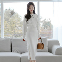 Dress Winter of 2019 white S,M,L,XL Mid length dress singleton  Long sleeves commute Crew neck High waist Solid color zipper Pencil skirt Others 18-24 years old Korean version Pleats, stitching, buttons, zippers