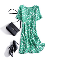 Dress Summer 2020 White flowers on a green background M,L,XL,2XL Mid length dress singleton  Short sleeve commute V-neck middle-waisted other Socket other routine Others Eissicala / escala Korean version Zipper, print More than 95% other silk