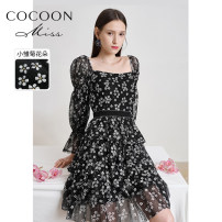 Dress Spring 2021 black XS,S,M Mid length dress singleton  Long sleeves commute square neck High waist Broken flowers zipper Cake skirt puff sleeve 25-29 years old Type X Cocoon / coconi lady Diamond inlaid, open back, fold More than 95% other