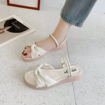 Sandals 35 36 37 38 39 40 Black Beige green PU Barefoot Muffin bottom Low heel (1-3cm) Spring 2021 Trochanter Korean version Solid color Adhesive shoes Youth (18-40 years old) polyurethane daily Front and rear trip strap Roman style Low Gang Hollow PU PU Fashion sandals Pure e-commerce (online only)
