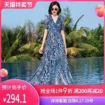 Dress Summer 2020 Blue Leopard S M L XL 2XL 3XL longuette singleton  Short sleeve commute V-neck middle-waisted Decor Socket Big swing routine Others 40-49 years old Type X printing More than 95% Chiffon polyester fiber Polyester 98.9% others 1.1% Pure e-commerce (online only)