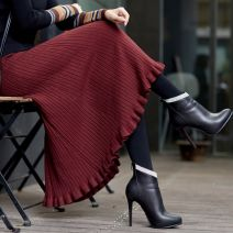 skirt Winter of 2019 M [80-100 Jin], l [100-120 Jin], XL [120-160 Jin], 2XL [160-210 Jin] Black, Burgundy, grey Mid length dress Versatile High waist A-line skirt Solid color Type A 25-29 years old 51% (inclusive) - 70% (inclusive) knitting Lu Qian Viscose Ruffles, folds, threads