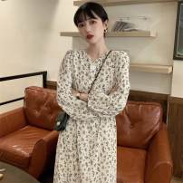 Dress Summer 2021 White, black Average size longuette singleton  Long sleeves commute V-neck Loose waist Broken flowers Single breasted Big swing puff sleeve Others 18-24 years old Type A lady 51% (inclusive) - 70% (inclusive) other