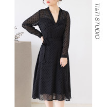 Women's large Winter of 2019, autumn of 2019 black 2 yards (spot), 4 yards (spot), 1 yard (spot) Dress singleton  commute Self cultivation moderate Conjoined Long sleeves Dot V-neck polyester routine T2005 Medium length