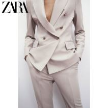 suit Spring 2021 Sand color XS (160/80A) S (165/84A) M (170/88A) L (175/96A) XL (175/100A) Long sleeves routine Straight cylinder tailored collar double-breasted commute routine Solid color 02403819711-30 25-29 years old 71% (inclusive) - 80% (inclusive) polyester fiber ZARA Button