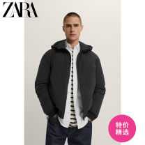 Jacket ZARA Fashion City black S (175/92A) M (180/96A) L (180/100A) XL (185/104A) routine standard Other leisure winter 03918403800-30 Polyamide fiber (nylon) 82% polyurethane elastic fiber (spandex) 18% Long sleeves Wear out Hood Youthful vigor youth routine Zipper placket Cloth hem washing nylon