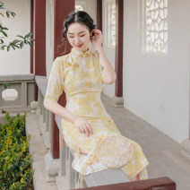 cheongsam Spring 2020 S spot, m spot, l spot, s pre-sale (30 working days delivery), m pre-sale (30 working days delivery), l pre-sale (30 working days delivery) Yellow cheongsam printed with ink Short sleeve Single cheongsam Retro Low slit daily Oblique lapel Decor 18-25 years old 96% and above