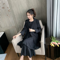 Women's large Spring 2021 Black suit, black skirt Large XL [genuine quality assurance], large 2XL [genuine quality assurance], large 3XL [genuine quality assurance], large 4XL [genuine quality assurance] Other oversize styles Two piece set commute easy moderate Cardigan Long sleeves SD5713 Wujijia