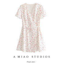 Dress Summer of 2019 As shown in the figure S,M,L Short skirt singleton  Short sleeve commute V-neck High waist 71% (inclusive) - 80% (inclusive)