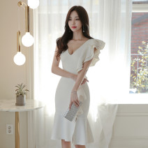 Dress Summer of 2019 white S. M, l, XL, s premium, m premium, l premium, XL premium singleton  Sleeveless commute V-neck High waist Solid color zipper Ruffle Skirt Others 18-24 years old Korean version Ruffle, stitching, zipper