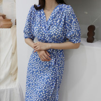Dress Summer 2021 Blue, yellow Average size longuette singleton  Short sleeve commute V-neck Broken flowers routine Others 18-24 years old Other / other Korean version