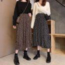 skirt Autumn 2020 Average size Black [velvet lining], coffee [velvet lining] Mid length dress commute High waist Broken flowers Type A 18-24 years old 8173F 31% (inclusive) - 50% (inclusive) other polyester fiber Korean version
