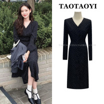Dress Autumn 2020 black S,M,L,XL longuette singleton  Long sleeves commute V-neck High waist Dot Single breasted A-line skirt puff sleeve Others 18-24 years old Type A Korean version Bow, tie, tie, button 51% (inclusive) - 70% (inclusive) polyester fiber