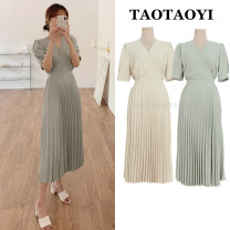 Dress Summer 2021 Yellow, grayish blue S,M,L,XL longuette singleton  Short sleeve commute V-neck Elastic waist Solid color zipper Pleated skirt puff sleeve Others 25-29 years old Type A Other / other Korean version Bowknot, tuck, fold, tie, splice, strap, zipper 51% (inclusive) - 70% (inclusive)