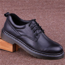 Low top shoes black 38,39,40,41,42,43 Cattle hide (except cattle suede) Frenulum Round head Outdoor leisure shoes Pig skin leisure time daily Solid color Thick bottom winter TPR (tendon) wear-resisting Adhesive shoes Youth (18-40 years old), middle age (40-60 years old) without wearing make-up