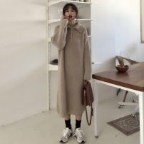Dress Spring 2021 Gray, off white Average size Mid length dress singleton  Long sleeves commute Polo collar Loose waist Solid color Three buttons other routine Others 18-24 years old Type H Other / other Korean version Button 31% (inclusive) - 50% (inclusive) other other