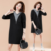 Women's large Spring 2021 black XL [100-120 Jin recommended], 2XL [120-140 Jin recommended], 3XL [140-160 Jin recommended], 4XL [160-180 Jin recommended], 5XL [180-200 Jin recommended] Dress singleton  commute easy moderate Socket Long sleeves Solid color literature Hood Polyester, cotton routine