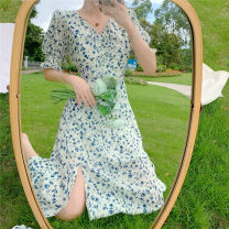 Dress Summer 2021 Blue dress with white background S,M,L Mid length dress singleton  Short sleeve Sweet V-neck Elastic waist Broken flowers Socket other puff sleeve Others Type A fold 91% (inclusive) - 95% (inclusive) Chiffon other