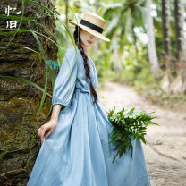 Dress Summer 2021 S M L longuette singleton  three quarter sleeve commute V-neck Loose waist Solid color Socket Big swing 30-34 years old Type A Reminiscence Pleated pockets with lace up stitching AQL1902 30% and below nylon Polyamide fiber (nylon) 30% other 70%