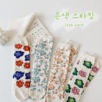 Children's socks (0-16 years old) Medium socks Red and blue flowers, pink and green flowers, blue broken flowers, pink broken flowers One size fits all Other / other summer female Average size
