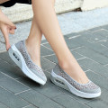 Low top shoes 35,36,37,38,39,40,41,42 Other / other Round head Mesh Flat heel Low heel (1-3cm) Shallow mouth No interior Spring of 2018 Trochanter Simplicity Adhesive shoes Youth (18-40 years old), middle age (40-60 years old) Solid color rubber Net shoes cloth daily