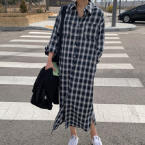 shirt Black and white check S M L XL Spring 2021 cotton 51% (inclusive) - 70% (inclusive) Long sleeves commute Medium length Polo collar Single row multi button routine lattice 18-24 years old Straight cylinder Art in love with Su Korean version Pocket button Cotton 70% polyester 30% cotton