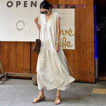 Dress Summer of 2019 Beige S M L XL longuette singleton  Sleeveless commute V-neck Loose waist Solid color Socket Ruffle Skirt Sleeve 25-29 years old Enchantment of imperial concubines Korean version B115 31% (inclusive) - 50% (inclusive) cotton Cotton 50% LINEN 50% Pure e-commerce (online only)