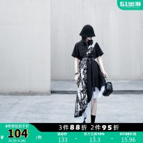 Dress Summer 2021 black S M L Mid length dress singleton  Short sleeve street Polo collar Elastic waist other zipper Irregular skirt routine Others 18-24 years old Type A chicsky Stitching asymmetric printing More than 95% other polyester fiber Polyester 100% Pure e-commerce (online only)