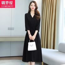 Dress Spring 2021 M L XL 2XL S longuette singleton  three quarter sleeve commute V-neck High waist Solid color Socket A-line skirt routine Others 25-29 years old Type A Lumengti Korean version fold Z82250117 More than 95% other Other 100% Pure e-commerce (online only)