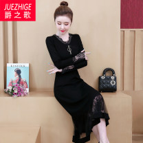 Dress Autumn of 2019 black L XL 2XL 3XL 4XL 5XL Mid length dress singleton  Long sleeves commute other Loose waist Solid color Socket other other Others 35-39 years old Type A The song of nobility Korean version Gouhua hollow JZG909213 More than 95% polyester fiber Other polyester 95% 5%