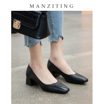 Low top shoes 34 35 36 37 38 39 Manziting Off white black apricot Square head Top leather Thick heel Middle heel (3-5cm) Shallow mouth Pig skin Winter of 2019 Trochanter commute Adhesive shoes Youth (18-40 years old) Solid color TPR (tendon) Single shoes Shallow mouth Sheepskin formal wear MZT1222-1
