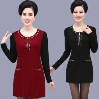 Middle aged and old women's wear Dress routine Medium and long term Polyester skirt Winter of 2019, autumn of 2019 fashion easy singleton  Solid color polyester 40-49 years old Condom moderate Crew neck 91% (inclusive) - 95% (inclusive) 168 pocket Medium and long term