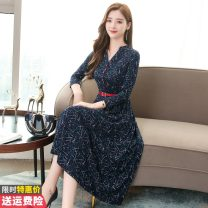 Dress Autumn of 2019 navy blue M L XL 2XL 3XL Mid length dress singleton  Long sleeves commute V-neck middle-waisted Broken flowers Socket A-line skirt routine Others 30-34 years old Princess Daixiang Korean version Pleated button print GT-1F-105-8883 More than 95% other other Other 100%