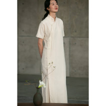 cheongsam Spring 2021 S,M,L,XL Off white, grayish purple Short sleeve long cheongsam Retro Low slit daily Oblique lapel Solid color Over 35 years old Embroidery 211LO165 Pastoral Tour cotton 51% (inclusive) - 70% (inclusive)