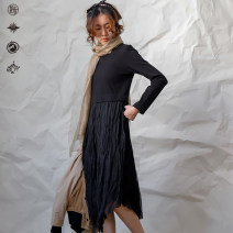 Dress Spring 2020 black S, M Mid length dress singleton  Long sleeves commute Crew neck middle-waisted Solid color Socket routine 25-29 years old Type X Pick up the card literature A101NQ3791 71% (inclusive) - 80% (inclusive) cotton