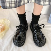 Low top shoes 35, 36, 37, 38, 39, 40 Other / other Shiny black, big shoes shiny black Round head PU Flat bottom Flat heel (1cm or less) Shallow mouth PU Spring 2021 Frenulum Korean version Adhesive shoes Solid color rubber Block shoes Shallow mouth PU daily 0625W222358835096