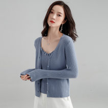 Wool knitwear Autumn of 2018 L, M black Long sleeves singleton  Cardigan nylon 31% (inclusive) - 50% (inclusive) Regular routine commute Self cultivation V-neck routine Solid color Single breasted F829c 25-29 years old Saison de Papillon Splicing