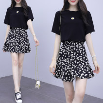 Dress Summer 2020 Black, white S,M,L,XL,2XL Short skirt Two piece set Short sleeve commute Crew neck middle-waisted Broken flowers Socket Pleated skirt routine Others 25-29 years old Type A Korean version printing More than 95% other