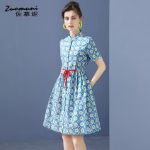 Dress Summer 2021 blue S M L XL XXL Middle-skirt singleton  Short sleeve commute Polo collar Loose waist Single breasted routine 30-34 years old Type H Muzoni Bow drawfold fold pocket lace up three dimensional decorative strap button printing Z21XL12845 More than 95% cotton Cotton 100%