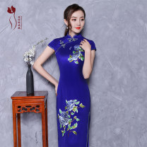 cheongsam Summer of 2018 Short sleeve long cheongsam Retro High slit banquet Oblique lapel Decor 18-25 years old Embroidery Jin embroidery silk Mulberry silk 100% Pure e-commerce (online only) 96% and above