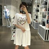 Dress Spring 2021 white 38,40,42,44,46 Middle-skirt singleton  commute Crew neck Loose waist Socket other routine 25-29 years old Type H MOSCHINO / MOSCHINO Simplicity CZ1280722 More than 95% cotton