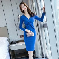 Dress Winter of 2018 blue S M L XL Middle-skirt singleton  Long sleeves commute V-neck High waist Solid color zipper One pace skirt routine 25-29 years old Zhiyu Korean version More than 95% polyester fiber Polyester 95% polyurethane elastic fiber (spandex) 5% Pure e-commerce (online only)