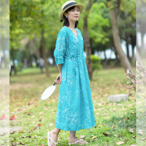 Dress Summer 2020 The shadow of the flower is beaming with joy Average size longuette three quarter sleeve commute V-neck High waist Broken flowers Socket A-line skirt 35-39 years old Qibai Retro S1091 More than 95% hemp Ramie 100% Pure e-commerce (online only)