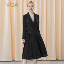 Windbreaker Autumn 2020 155/S 160/M 165/L 170/XL 175/XXL 180/XXXL Long sleeves routine Medium length commute Three buttons tailored collar routine Solid color Skirt type lady VOA 35-39 years old 96% and above silk silk Mulberry silk 100% Pure e-commerce (online only)