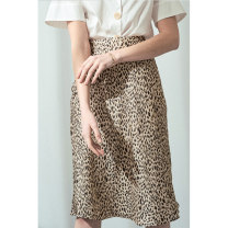 skirt Autumn 2020 XS,S,M,L Design and color, collection and purchase, priority delivery Middle-skirt commute High waist skirt Leopard Print Type A 25-29 years old More than 95% other HeyDress polyester fiber Wave, zipper, print Simplicity