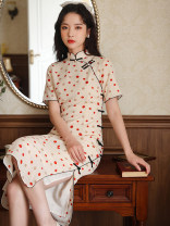 cheongsam Summer 2021 S,M,L Short sleeve Single cheongsam Retro High slit daily Oblique lapel Dot 18-25 years old Piping 51% (inclusive) - 70% (inclusive)